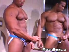 Latin bodybuilder Emilio jerking off dick. Posted by: Muscle Hunks