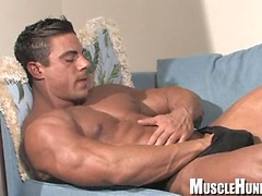 Rocco shows his perfect muscled body. Posted by: Muscle Hunks