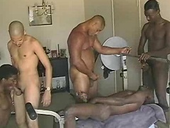 Workout buddies fuck. Chako, Rashaan, Dennis Lee, Everett Jackson and Darryl Harris. Posted by: Thug Orgy