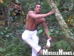 Bodybuilder posing outdoors. MH men.. Posted by: Muscle Hunks