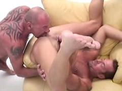 Beefy dudes loves to share some cum by cumswapping in here !. Posted by: Male Digital